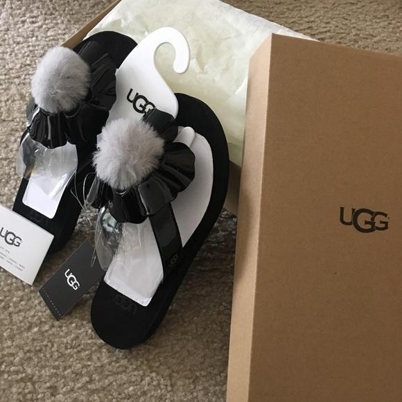 UGG Other - Ugg poppy slippers